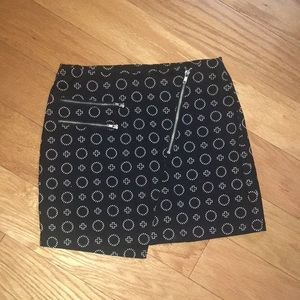 Patterned Black skirt from H&M NEW w/o tag